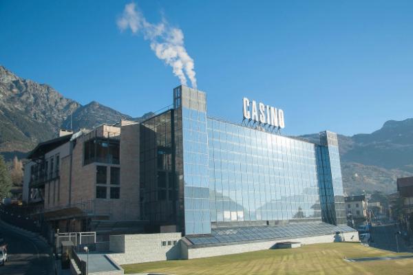 San vincent casino poker
